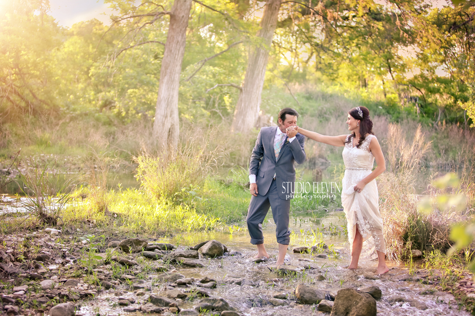 Wedding photography in the Texas Hill Country at Sisterdale DanceHall by south Texas based wedding photographer Studio Eleven Photography